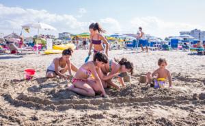 Divertimento in spiaggia con Animazione